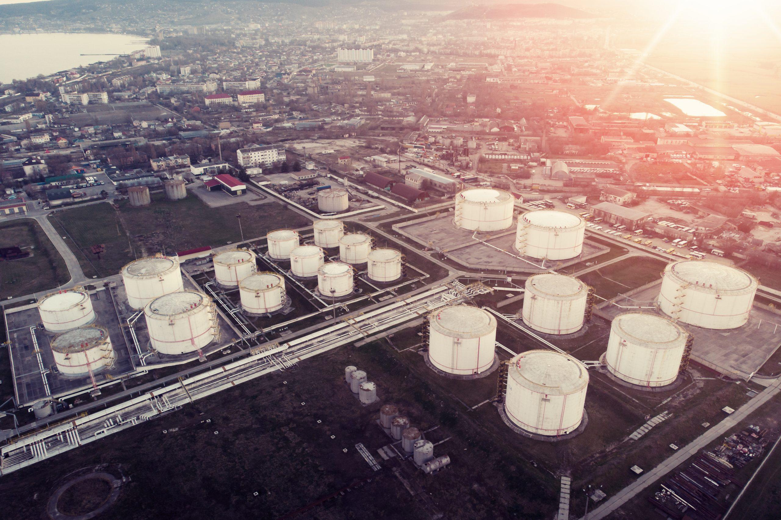 Merchant value of European LNG regas capacity