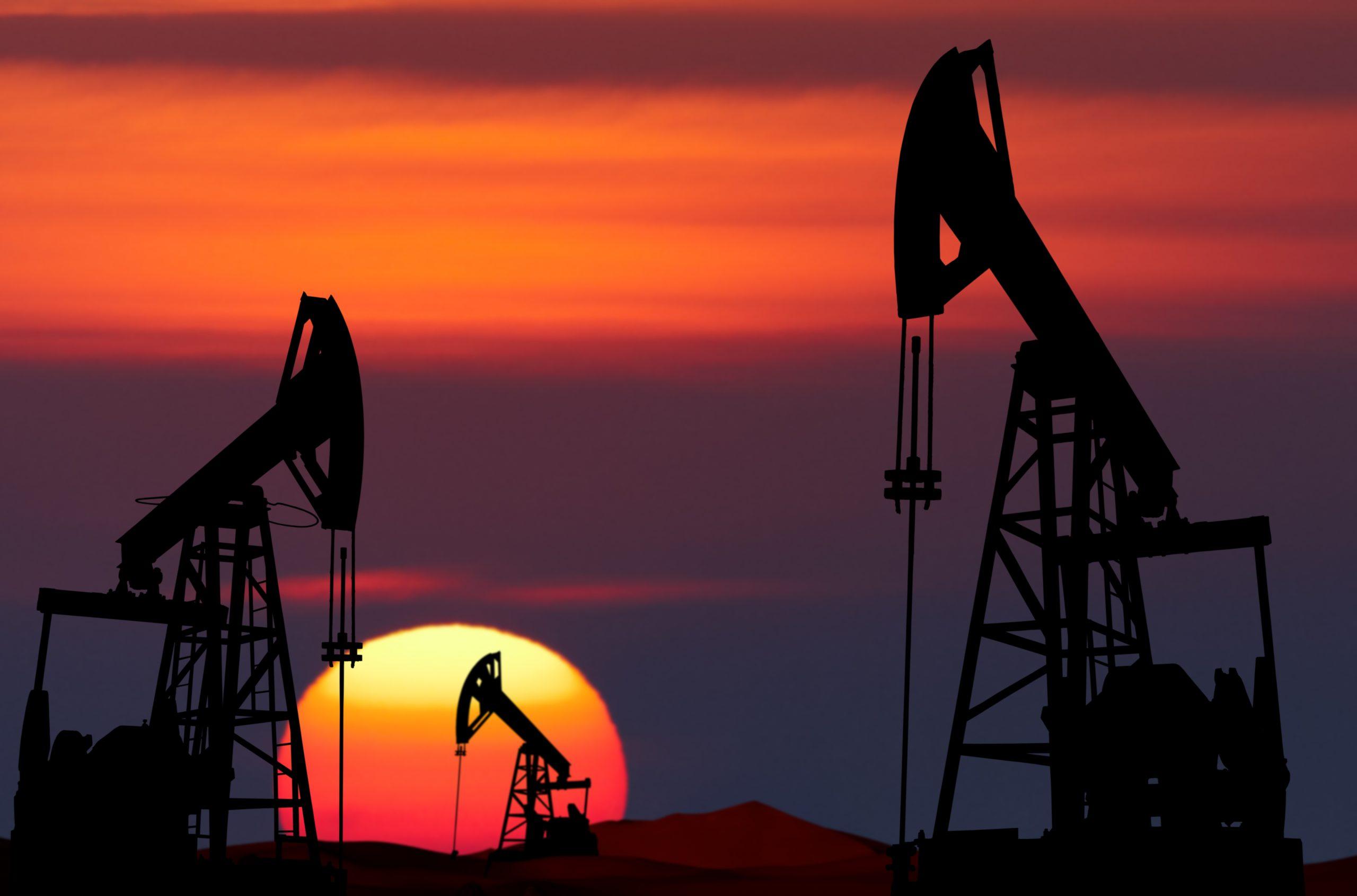 Oil price crash in animation